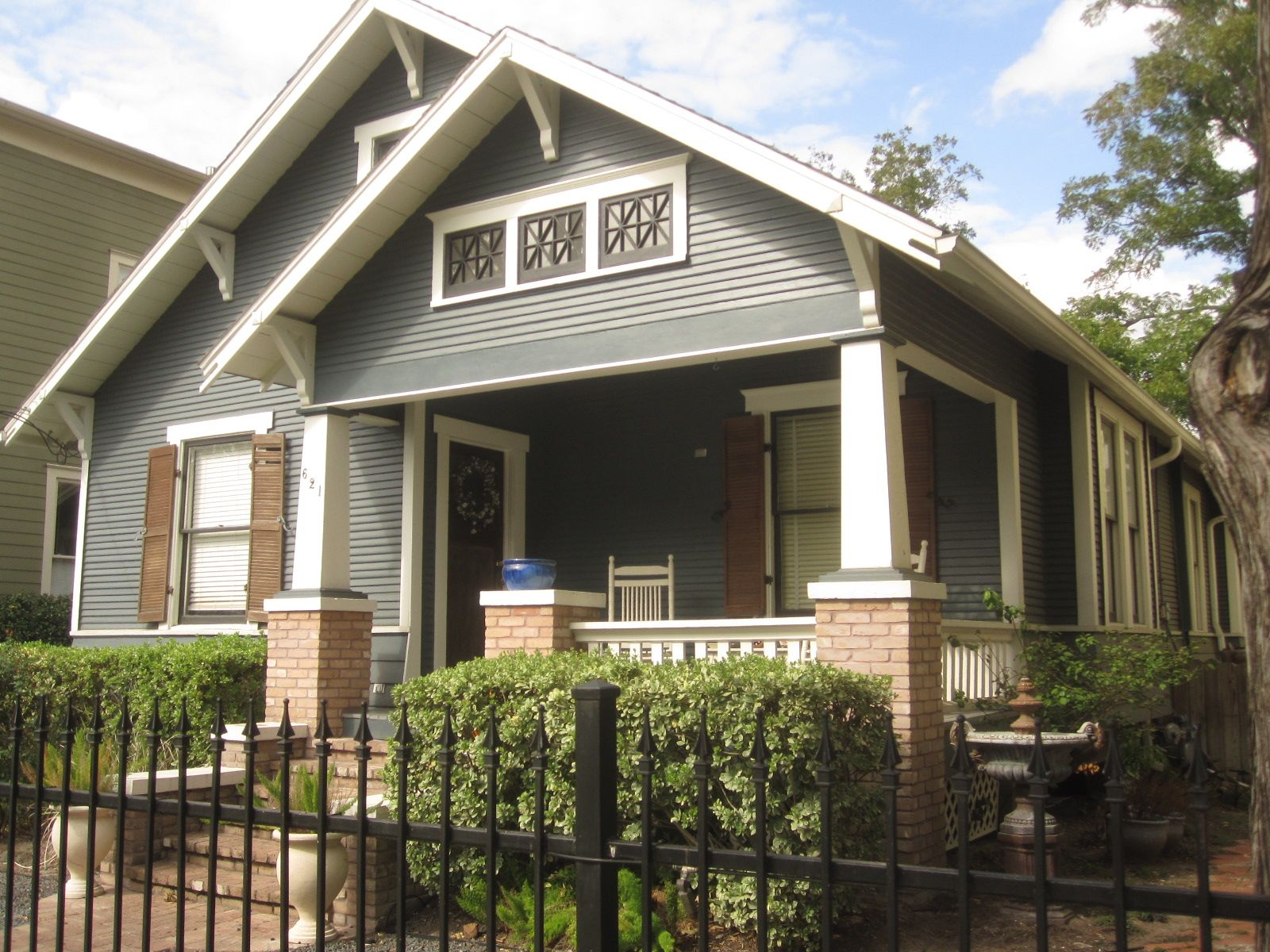 Bungalows paint colors and exterior paint on pinterest - The Other Houston More Beautiful Bungalow Paint Colors