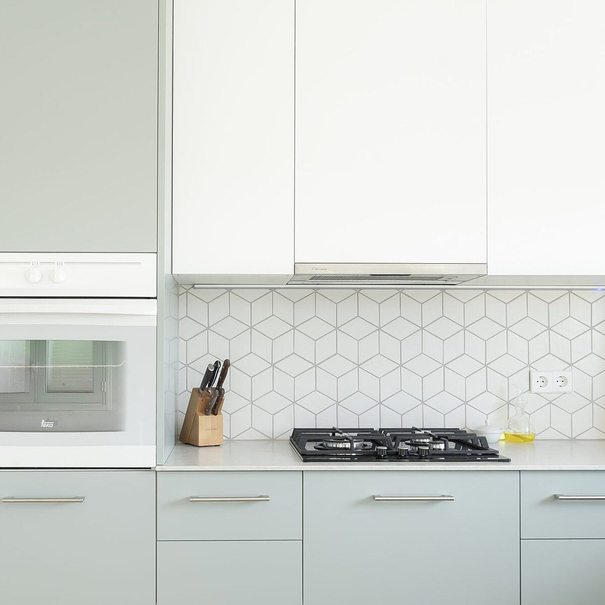 5 Surprisingly Germy Kitchen Items And The Right Way To Disinfect Them Clean Kitchen Cabinets Clean Laminate Countertops Kitchen Items
