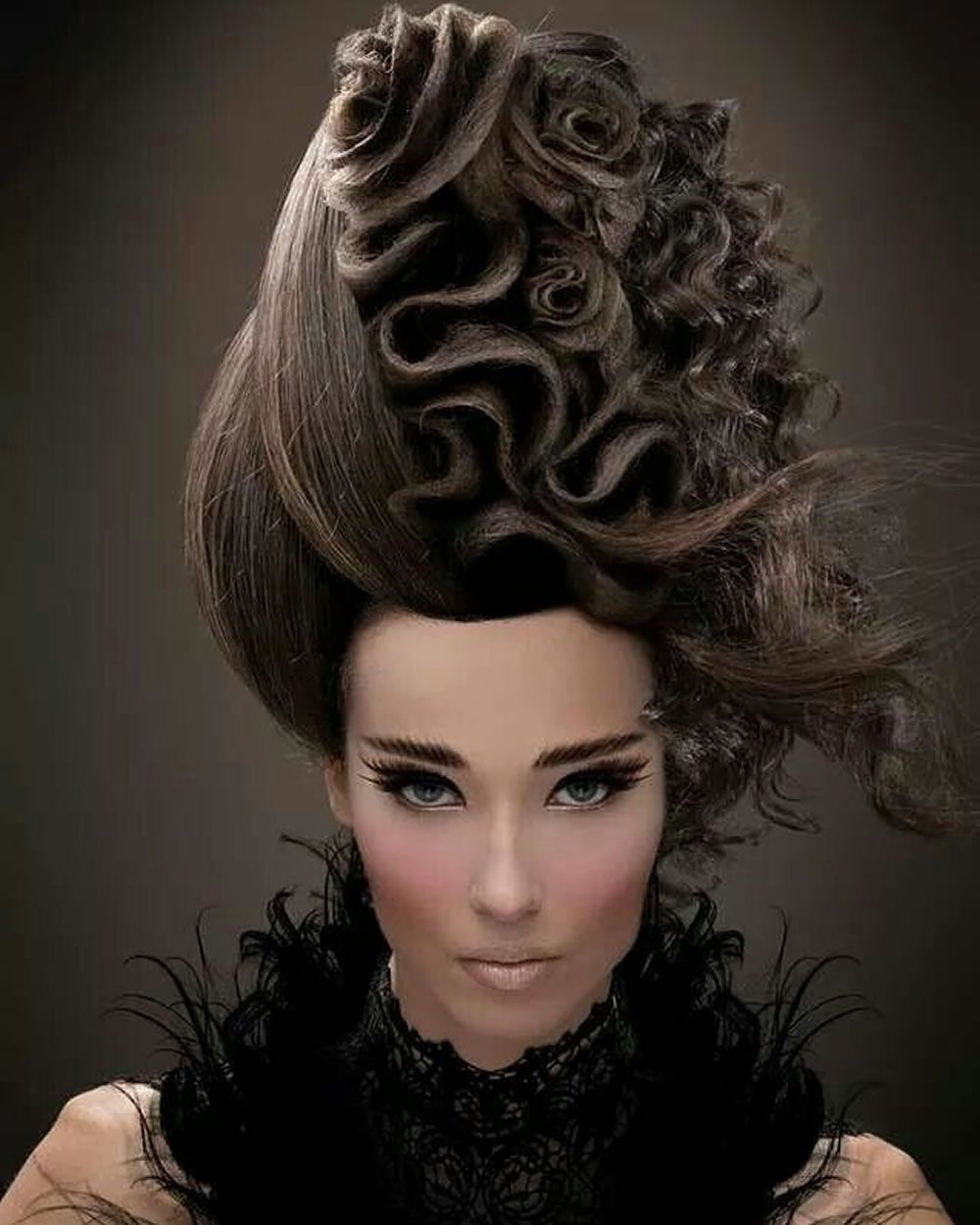Extreme Hairstyles And Haircuts For Crazy Women Crazy Extreme Haircuts Hairstyles Women Hair Styles Artistic Hair Hair Shows