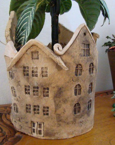 schöne und auch praktische Keramikarbeit - könnte mit einem gewickelten Topf #ceramicpainting