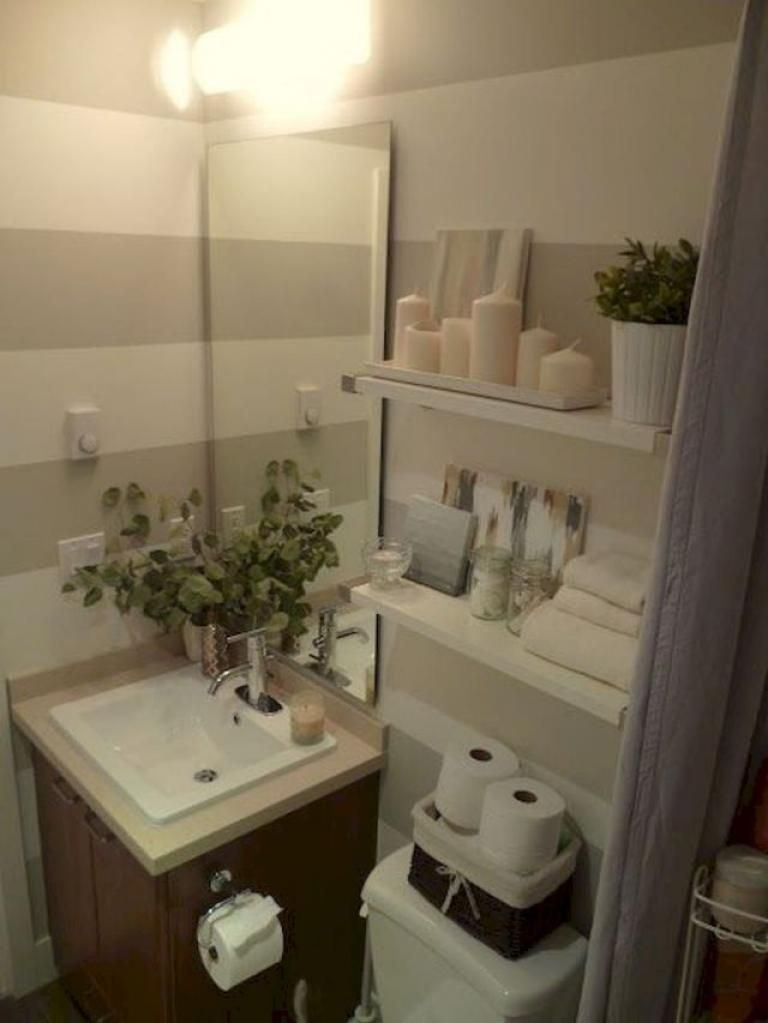 30 Best Tiny Apartment Bathroom Decoration Ideas