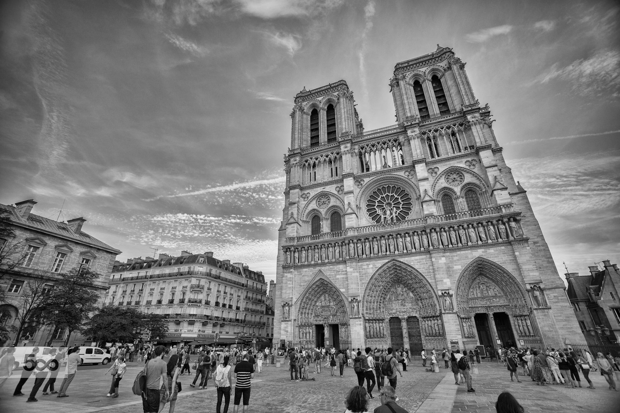 Notre Dame grand angle by Sly Deshaies on 500px