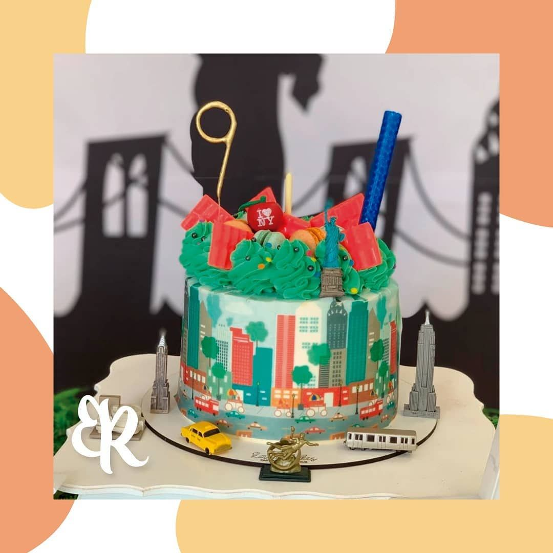 Entre las fotos de un amigo en Australia y esta torta de Nueva York. Me dieron unas ganas enormes de irme de viaje al exterior. Lo que si, nose a donde me podria ir 🤔 ¿Vos a donde viajarias? . Repostera: @zara_cakes_ . . .