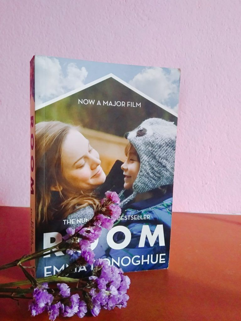 Book review room by emma donoghue room emma donoghue