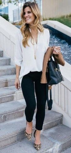 26 Latest Women Work Outfits Ideas 2019 #womensworkoutfits