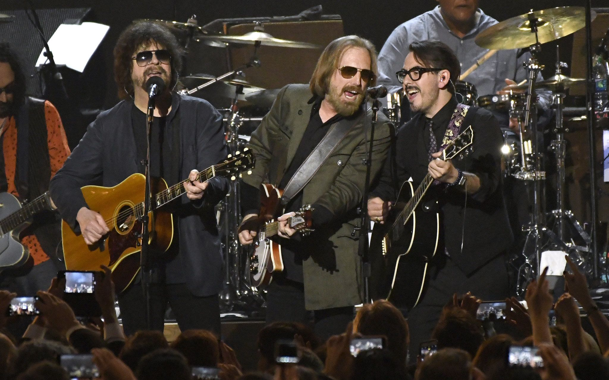Are the traveling wilburys rock roll hall of fame worthy