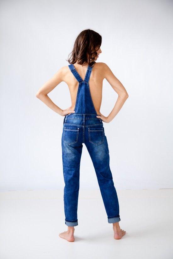 Jeans Overalls in Denim blau errinern uns an die Kindheit. 'Latz das Kind in Dir raus' xoxo bestyledberlin