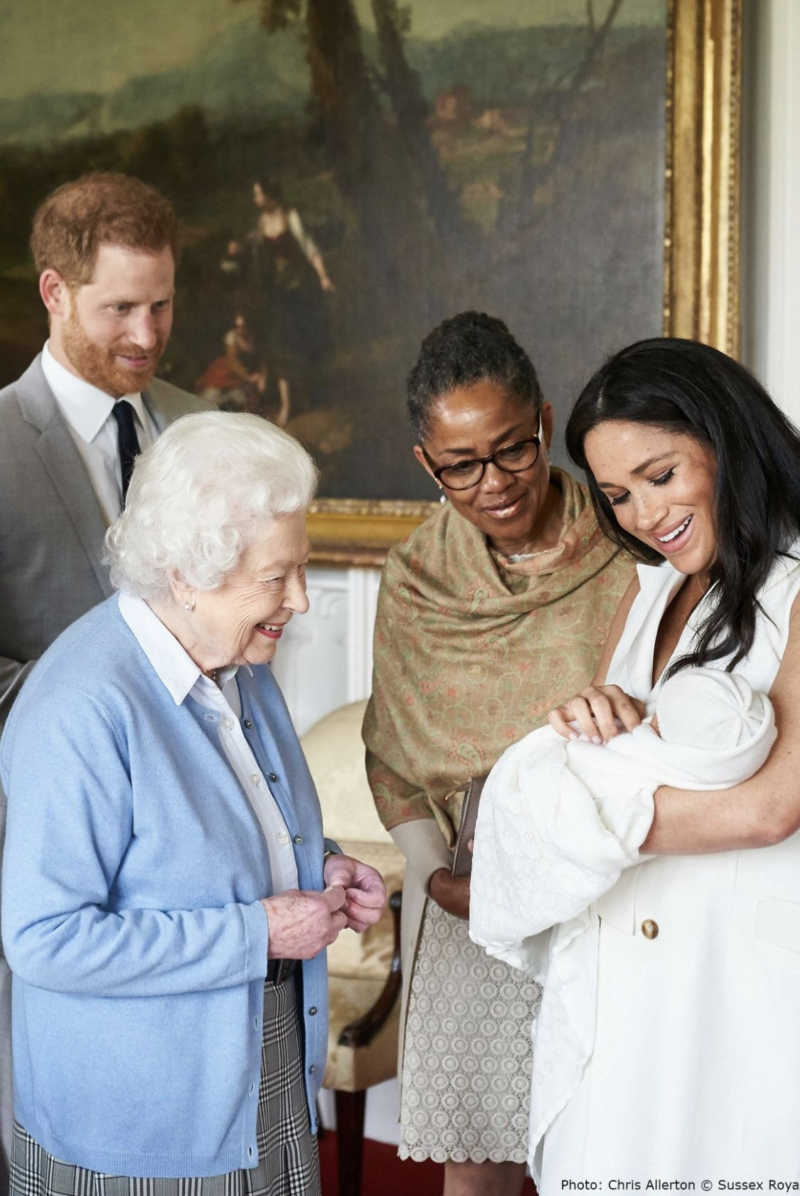 The Queen Meeting Baby Archie Harry And Megan Markle S First Child Prince Harry And Meghan Markle Meghan Markle