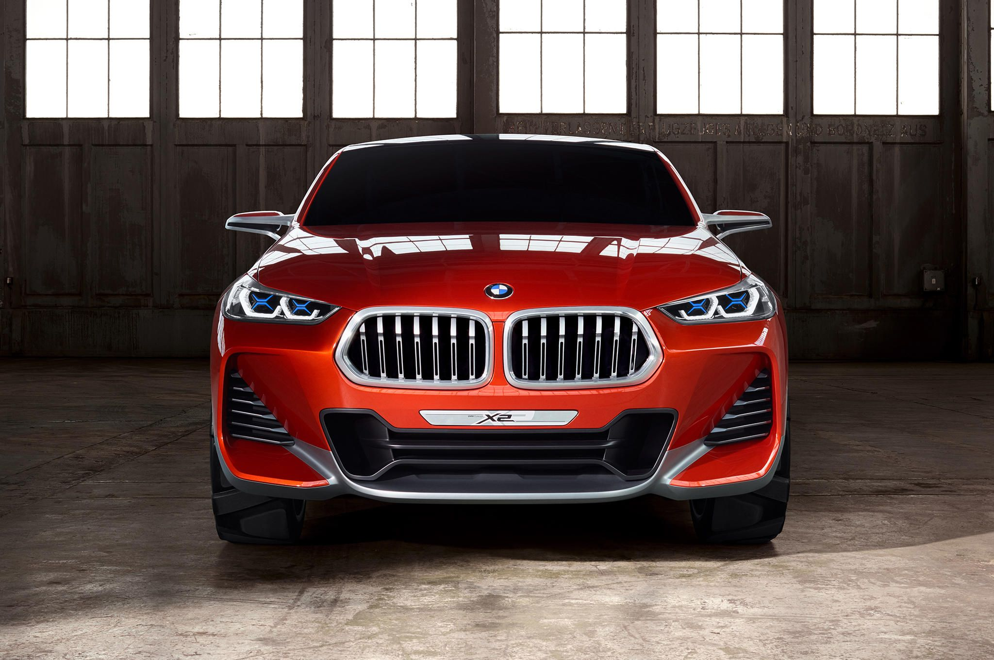 Bmw x2 concept unveiled in paris gallery via motor trend news iphone app