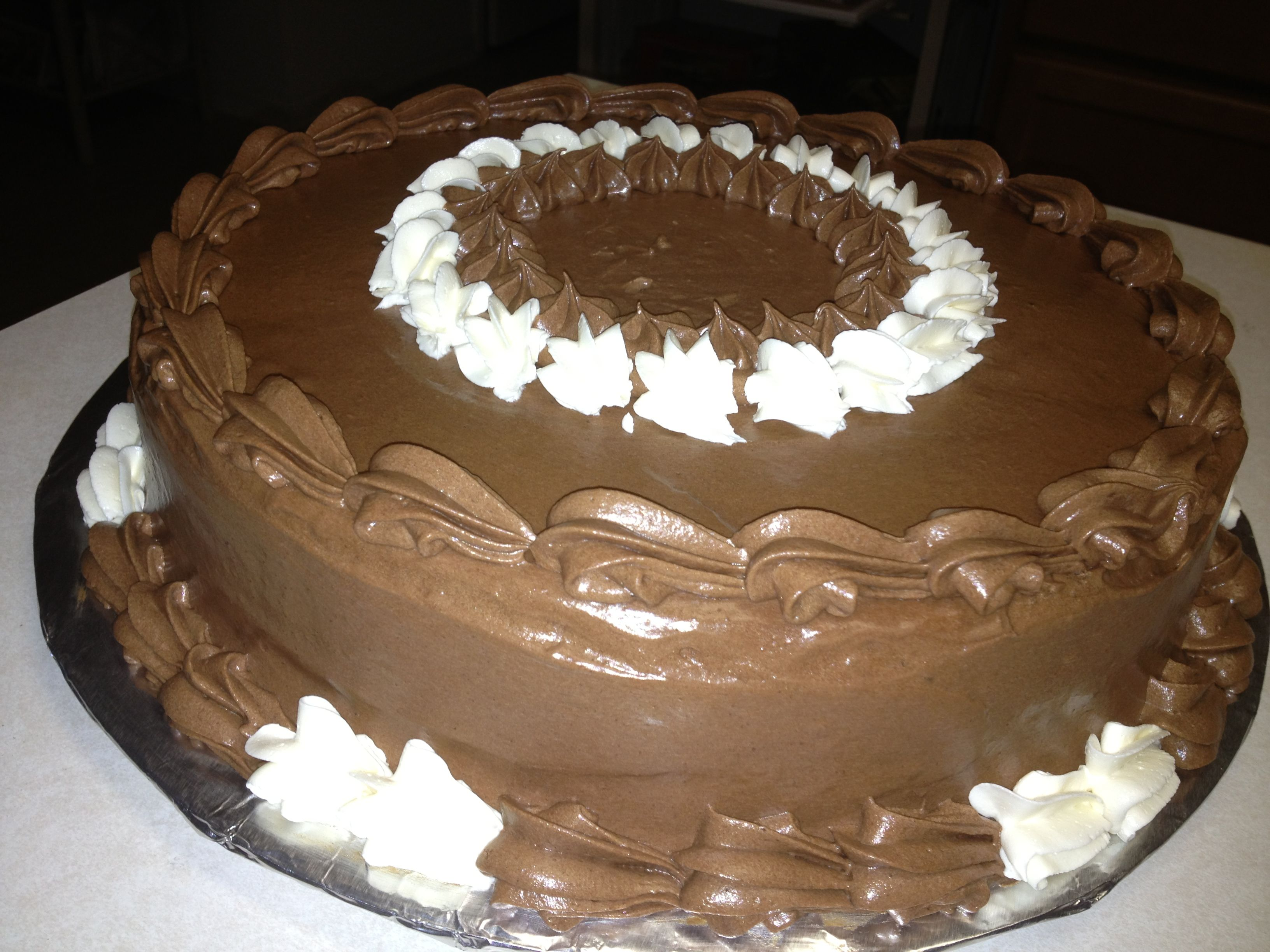 Chocolate cake chocolate icing Cake ideas Pinterest