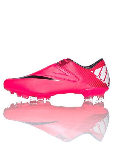 NIKE Low top women s soccer cleat Lace closure Striped zig zag and  lightning bolt pattern on side of shoe Tongue with NIKE swoosh Cushioned  sole Neon red f0641b665