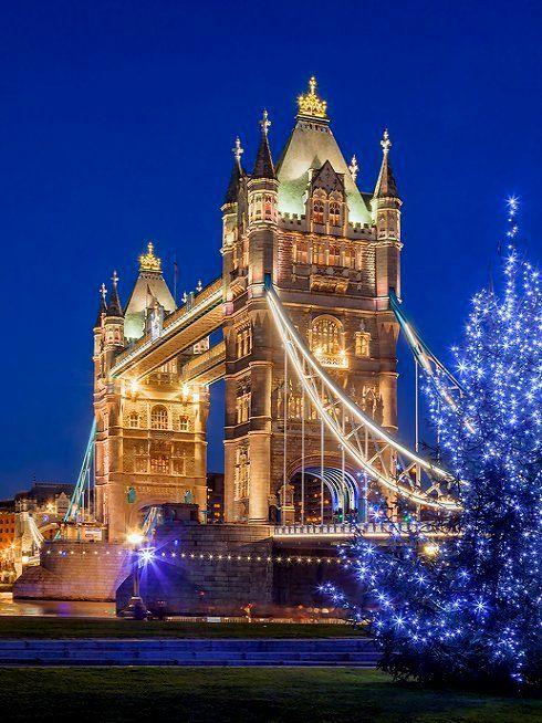 England Christmas.London Tower Bridge Christmas Christmas Around The World