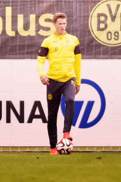 Erik Durm training mit Borussia Dortmund (part. 2) #erikdurm #durm #37 #bvb #welmeister #cute