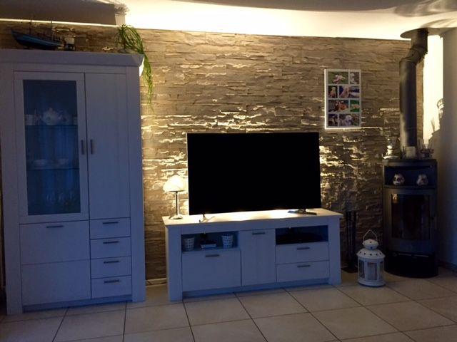 Wohnzimmer Wand Stein mit Beleuchtung | Wandgestaltung ...
