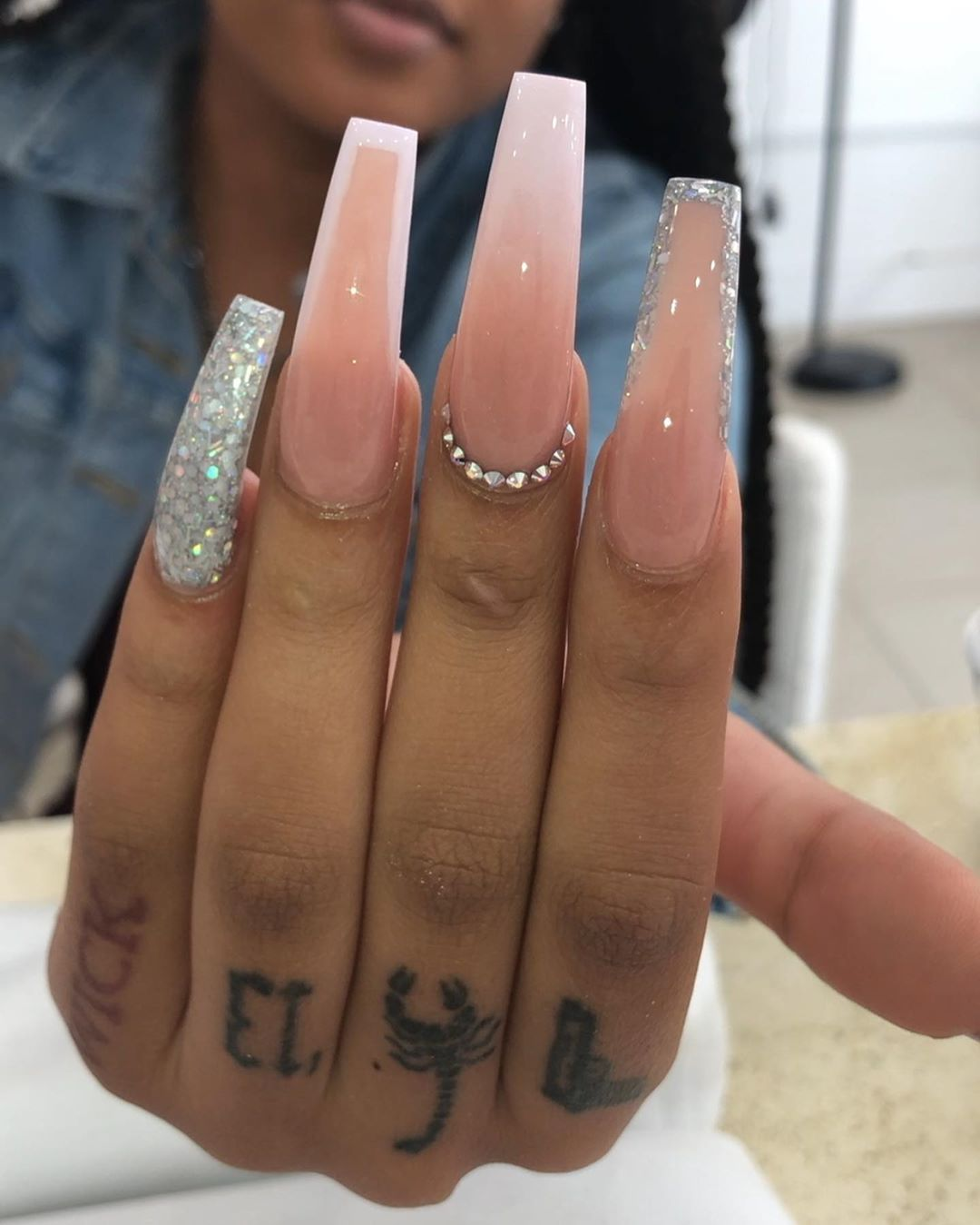 Keirina On Instagram Some Sets I Did On Friday Swipe To See The Rest Acrylicnails Flowernails Long Acrylic Nails Color Changing Nails Nail Designs