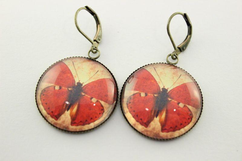 earrings with butterflies :D