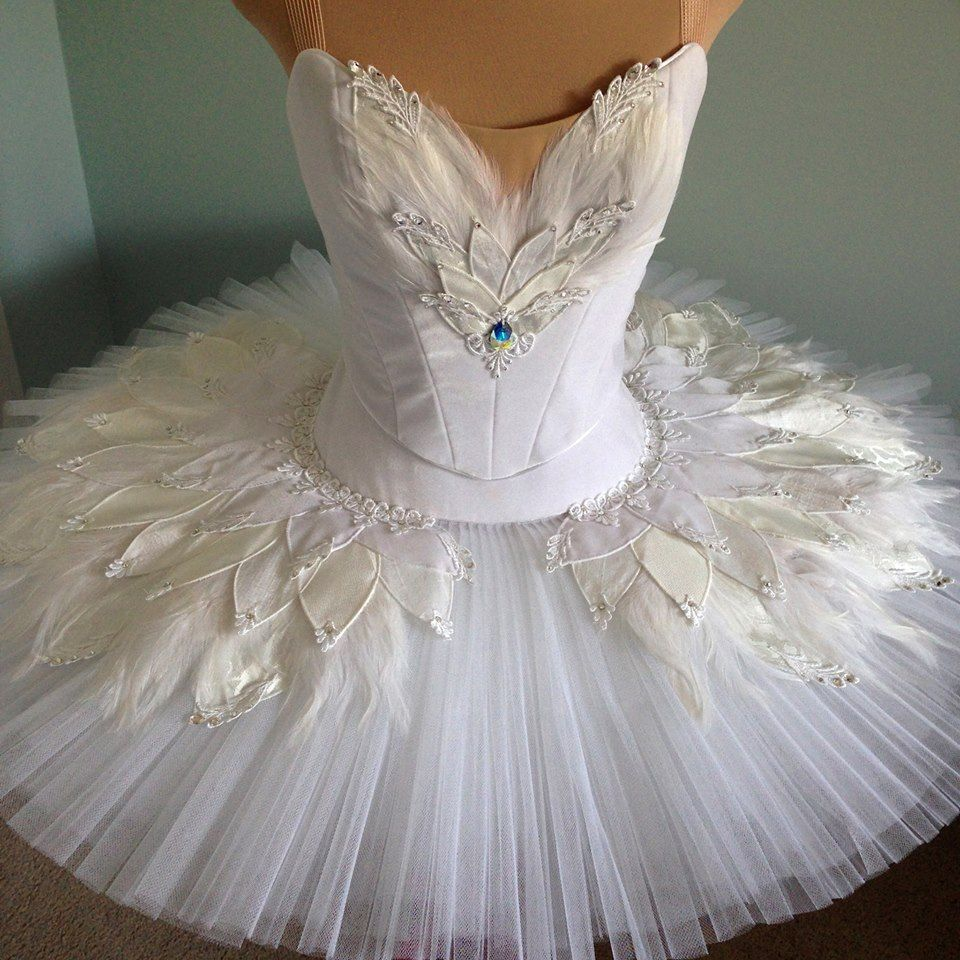 white swan costumes tutu dance costumes pinterest ballett. Black Bedroom Furniture Sets. Home Design Ideas