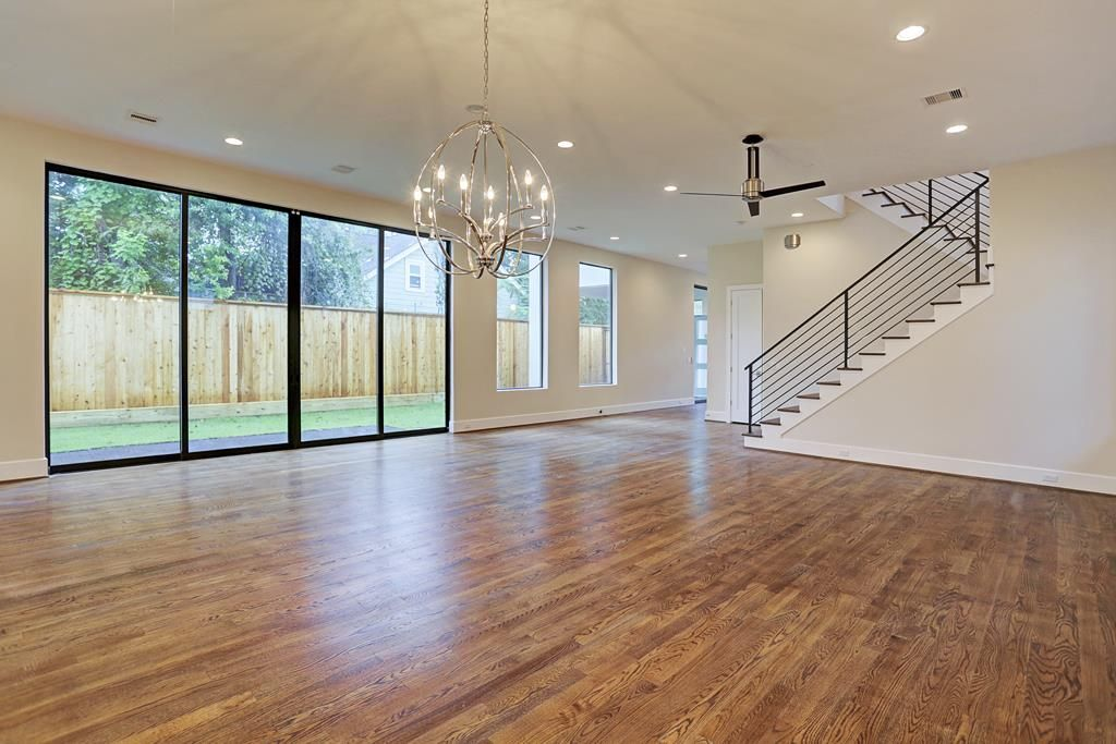 2109 Morse St Houston Tx Photo Village House Design Renting A House House Design