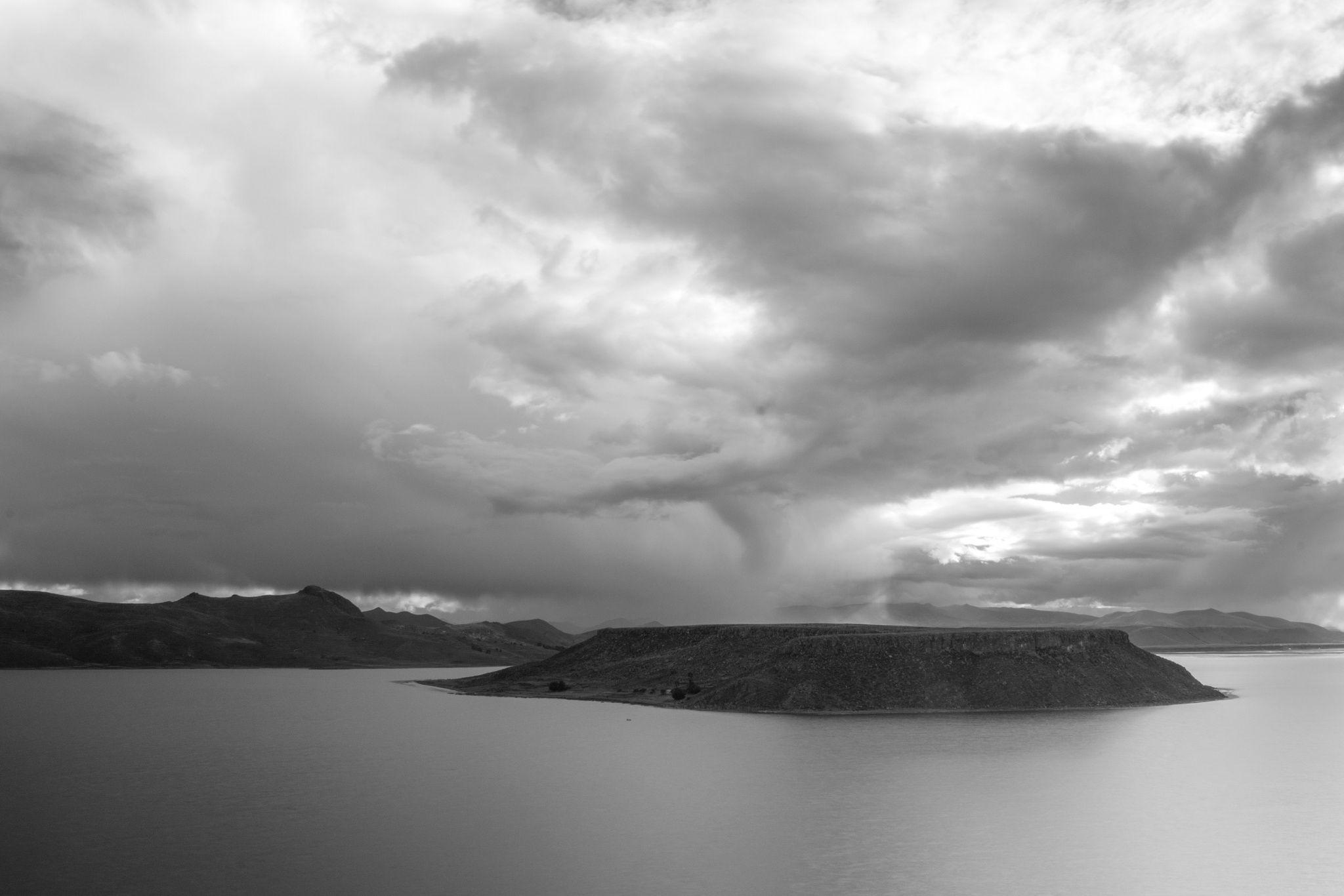 Fotografía Lejana lluvia por Miguel Minaya en 500px