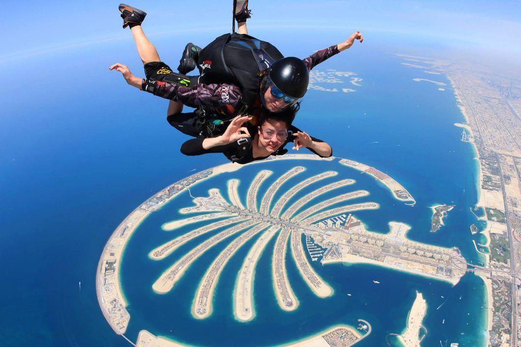 سكاي دايف دبي شروط القفز المظلي والاسعار ومواعيد العمل Dubai Video Dubai Desert Dubai