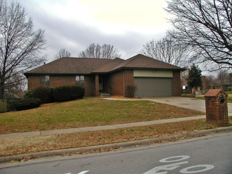 4001 s south belvedere court springfield mo 65807 in