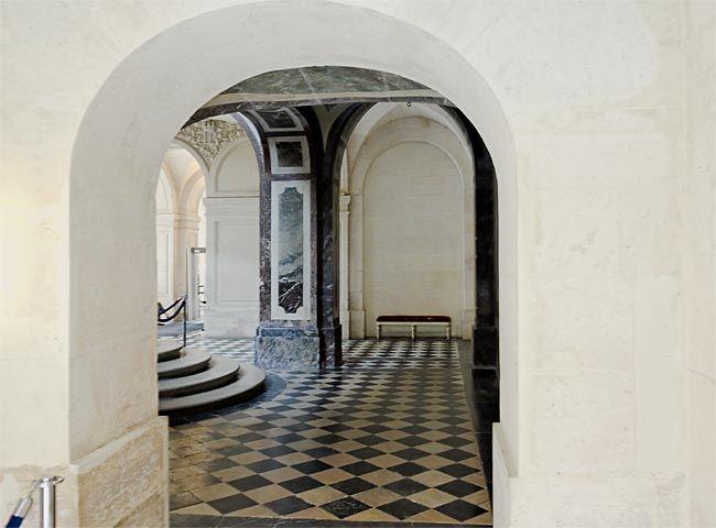 Queen's vestibule