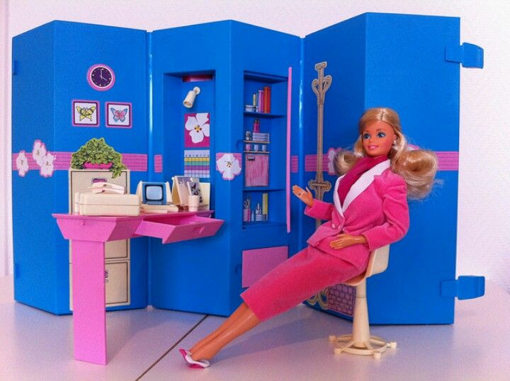 Casa Ufficio Barbie : Day to night barbie in her home office. this side was business and