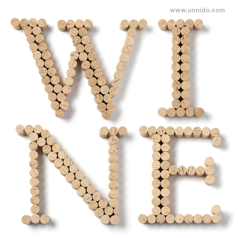 letras con tapones de corcho pieza elaborada de forma artesanal por personas con
