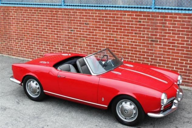 AutoTrader Classics Alfa Romeo Giulietta Coupe Red Cylinder - Autotrader alfa romeo