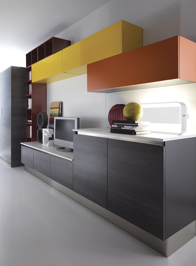 Lacquered linear fitted #kitchen ELBA by Biefbi