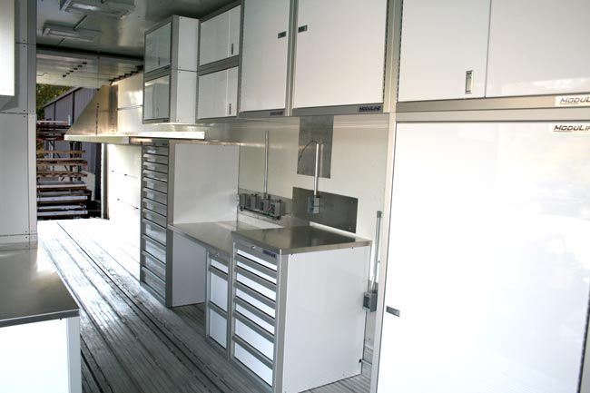 Gentil Lightweight Moduline Aluminum Tool Cabinets In Aircraft Service Trailer  Www.modulinecabinets.com