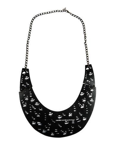 Oblique Collar Hombre en YOOX. La mejor selección online de  Oblique. YOOX, artículos exclusivos de diseñadores italianos e internacionales - Pago seguro - Devolución Gratis