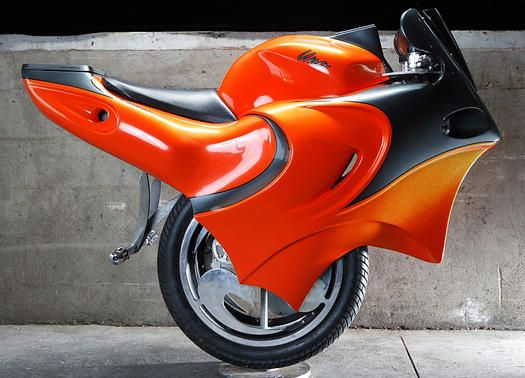 The Zero Emissions One Wheeled Motorcycle Uno Accelerates With A Simple Lean And Turns Like Street Bike On Side By Wheels