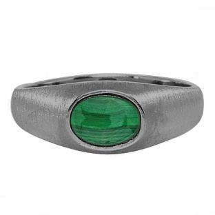 East-West Oval Cut Malachite In Black Rhodium Plated White Gold Pinky Ring For Men Gemologica.com offers a unique selection of mens gemstone and birthstone rings crafted in sterling silver and 10K, 14K and 18K yellow, white and rose gold. We have cool styles including wedding and engagement rings, fashion rings, designer rings, simple stone and promise rings. Our complete jewelry collection of gemstone rings for men can be seen here: www.gemologica.com/mens-gemstone-rings-c-28_46_64.html