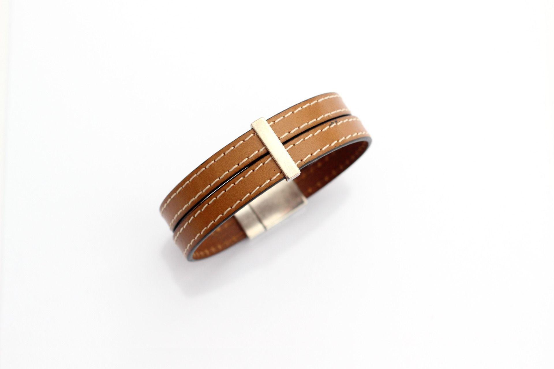bracelet homme f te des p res cuirs cousus marron clair. Black Bedroom Furniture Sets. Home Design Ideas