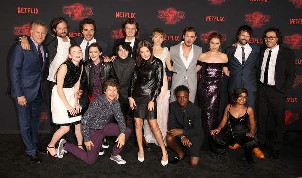 Stranger Things : le casting de la série réuni pour le lancement de la saison 2