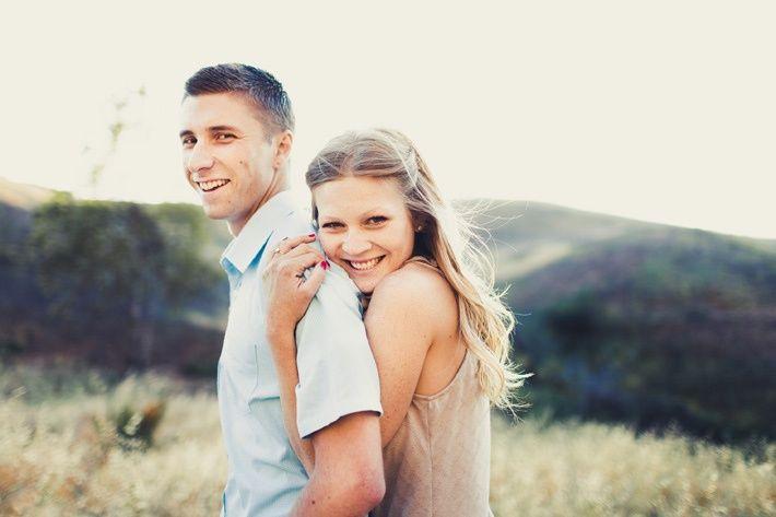Cute Outdoor Photo Shoot Ideas For Couples