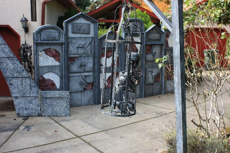 Click To Close Halloween Haunt Holidays Halloween Graveyard