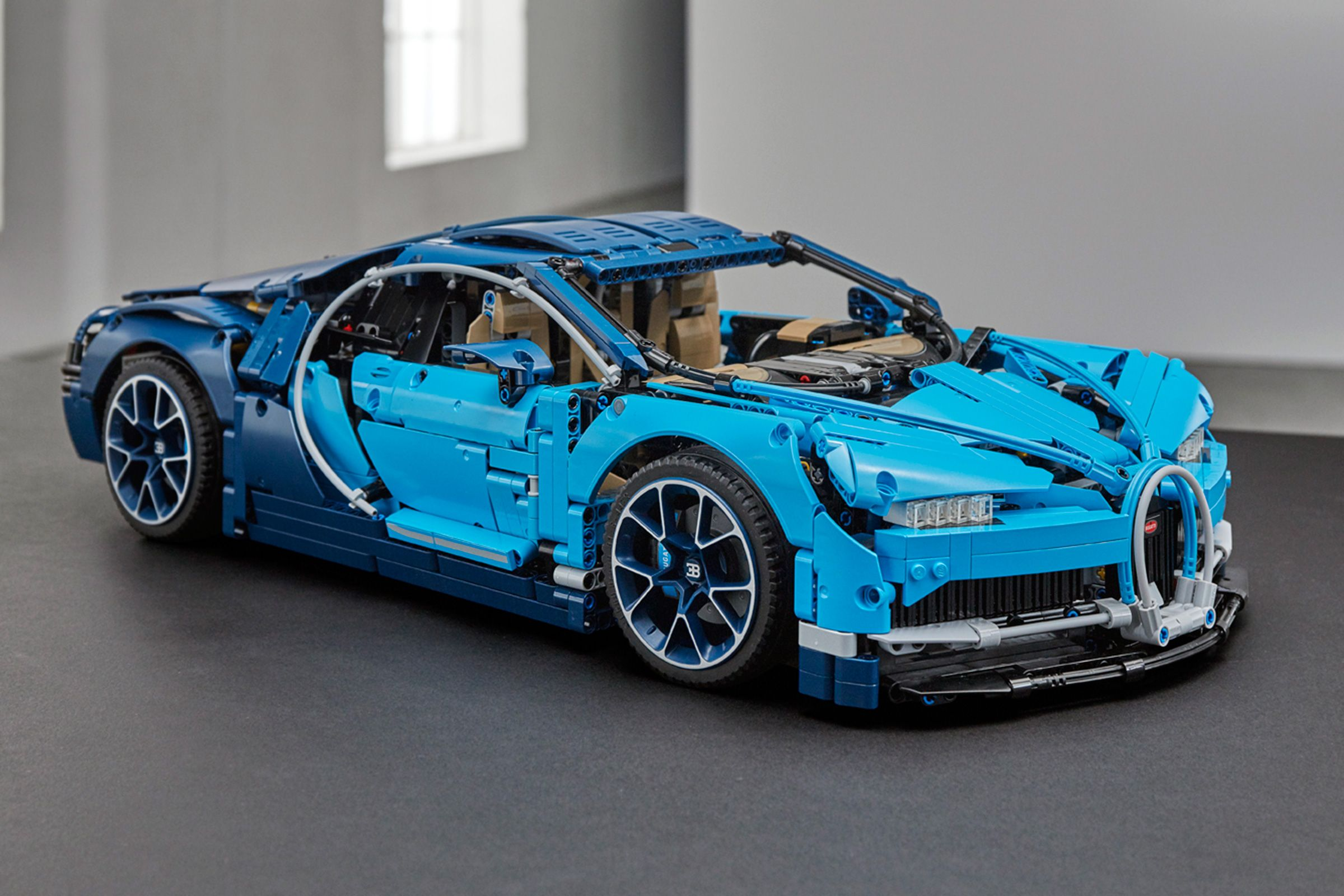 Bugatti Chiron Lego Kit Launches Pictures Lego Cars Pinterest