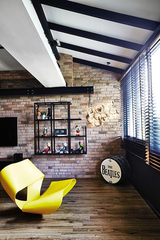 Singapore Hdb Living Room Design: Street Styled Home, Three Room HDB Maisonette, Photo 7 Of