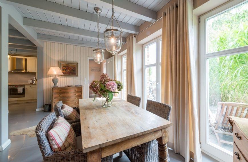 80m f r 4 personen hochwertige ausstattung kamin. Black Bedroom Furniture Sets. Home Design Ideas