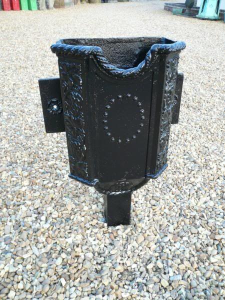 Original Victorian Cast Iron Rain Hopper Spouthead Gutter Roofing Rain Chain Cast Iron Gutter