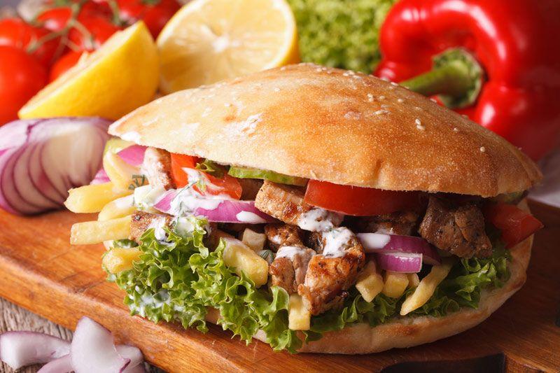 Domowy Kebab Z Sosem Czosnkowym Przekski Pinterest Food