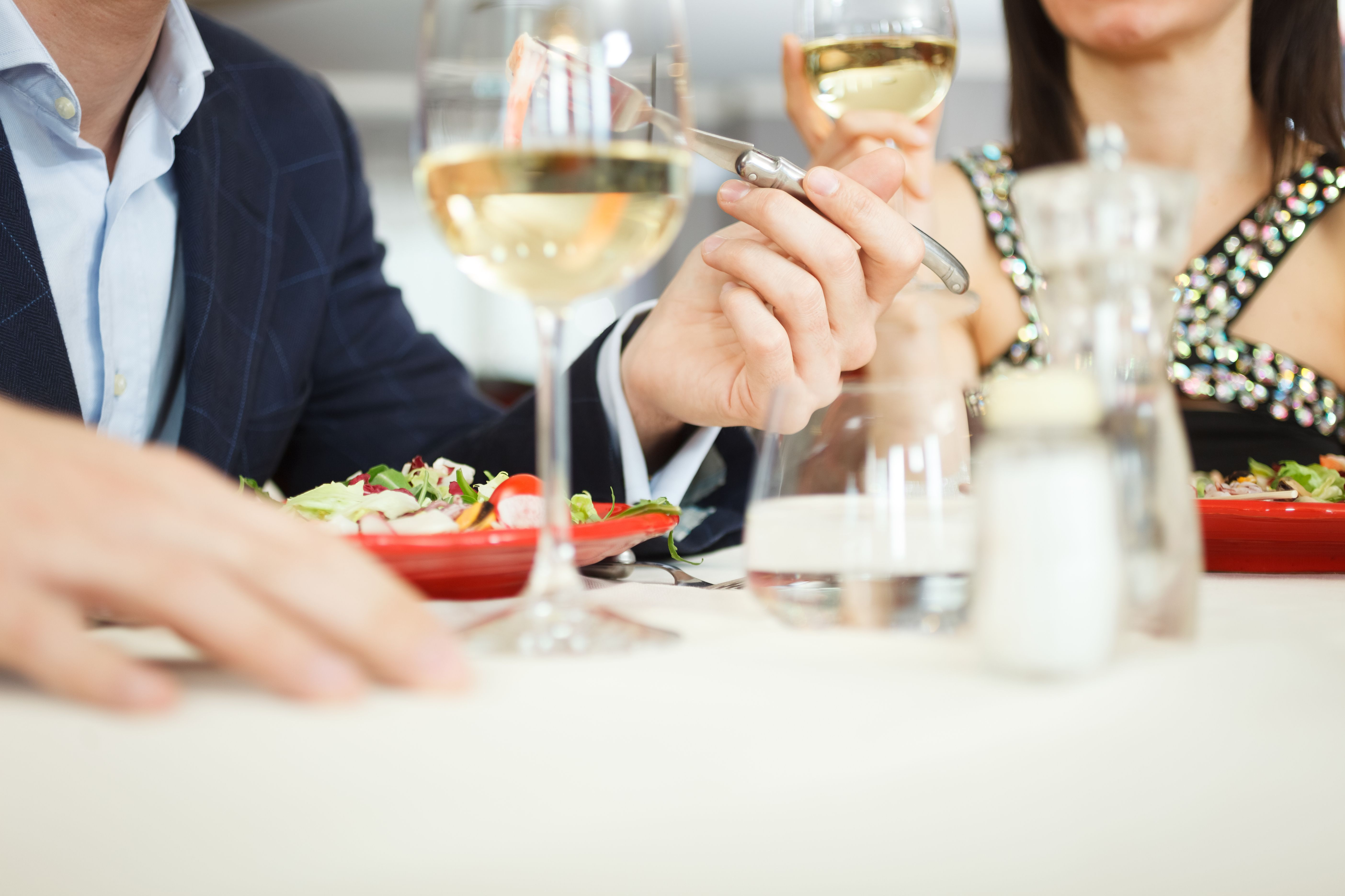 Sabor de Amor. Disfruta en nuestros prestigiosos restaurantes de un menú muy romántico acompañado de vino y cava. 💕 Sabor de Amor. Enjoy in our prestigious restaurants a very romantic menu with wine and champagne. #foodie #tasty #love