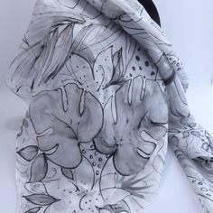 """Nouveauté foulard écharpe étole en soie peint main  """" le paradis sur terre """""""