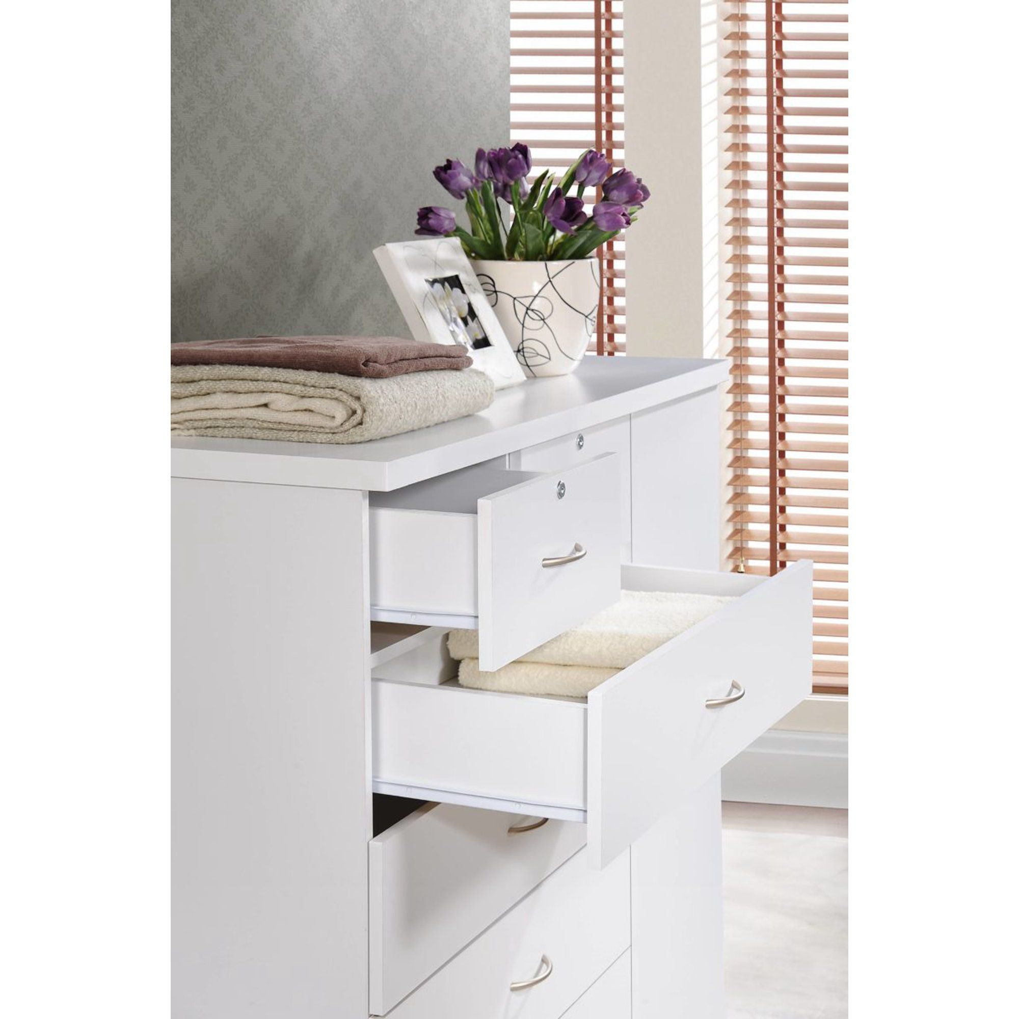 Hodedah 7 Drawer Dresser With Side Cabinet Equipped With 3 Shelves White Walmart Com In 2021 Dresser Drawers Dresser Shelves Shelves [ 2000 x 2000 Pixel ]