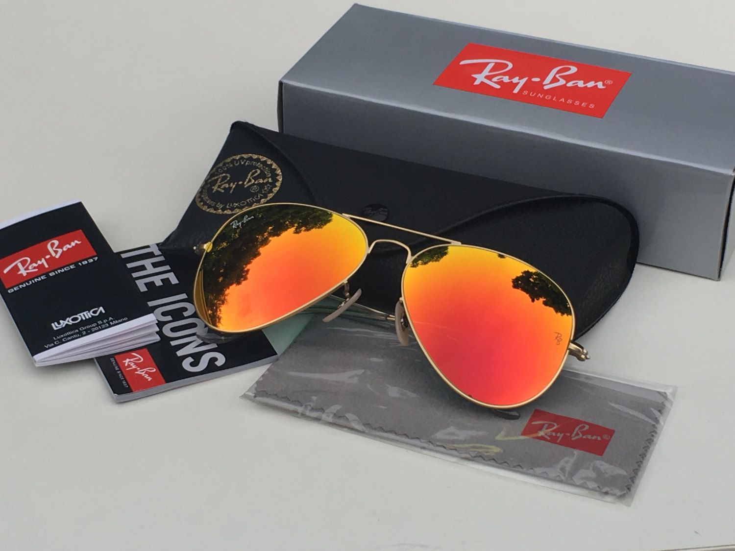 301884a184ee1 Authentic RAY-BAN Aviator Sunglasses Blue Flash Mirrored Gold Frame Unisex  - RB3025 112 69 58mm (Brand New RayBan - With Accessories   Case) by ...