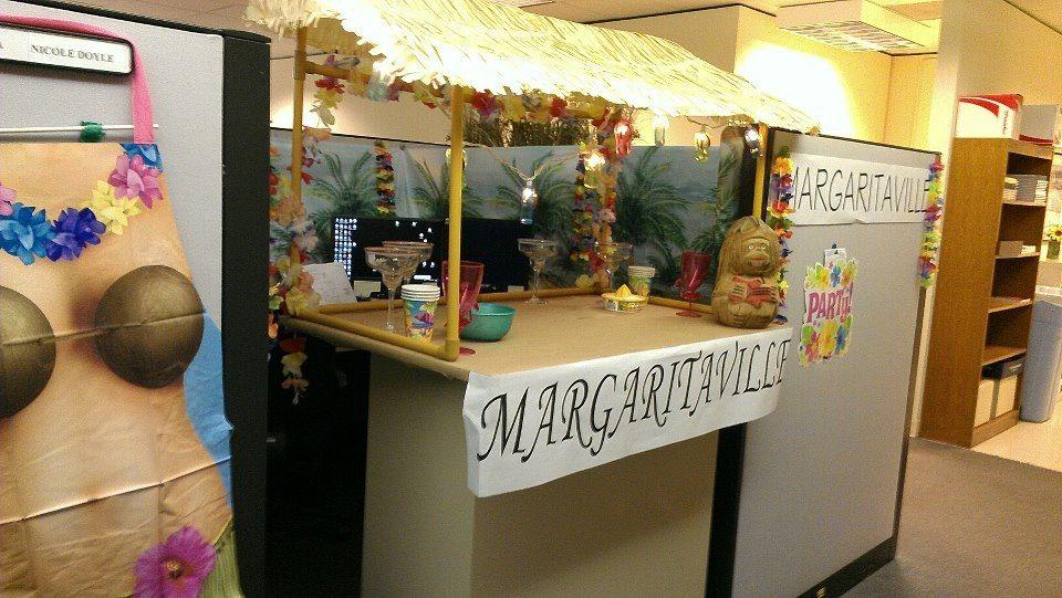 MargaritaVille Themed Cubicle Decoration