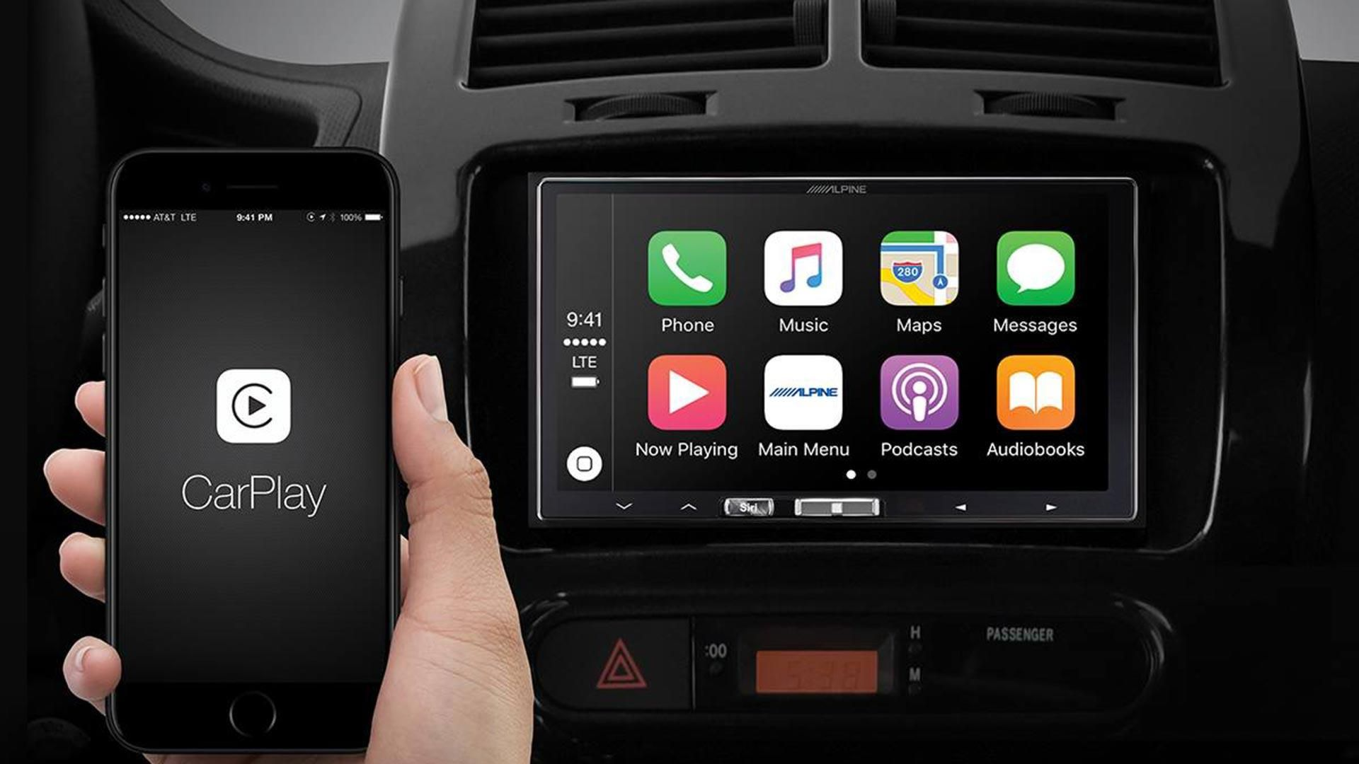 Report Google Maps And Waze Aren't Fluid in Apple CarPlay