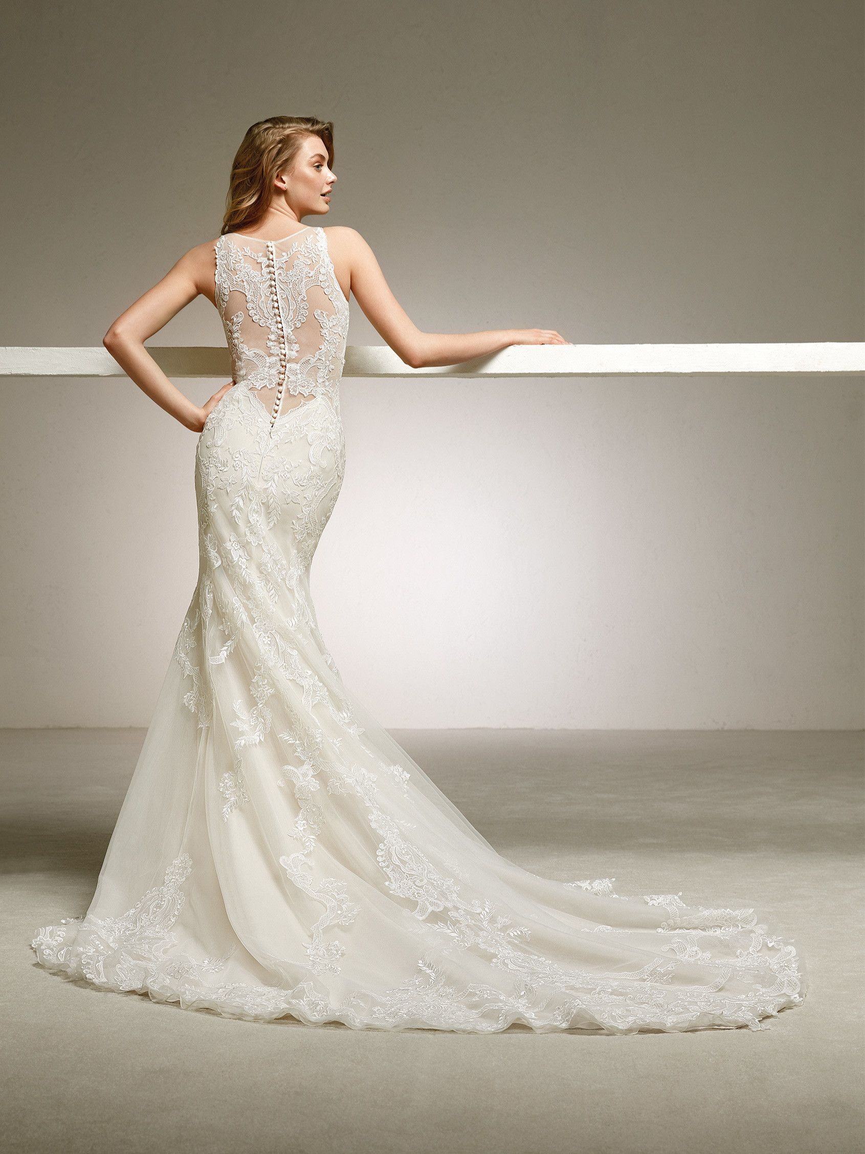 Mermaid wedding dress with spectacular back. DOGAL | Pronovias 2018 ...